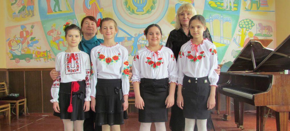 Вокальний ансамбль молодших класів